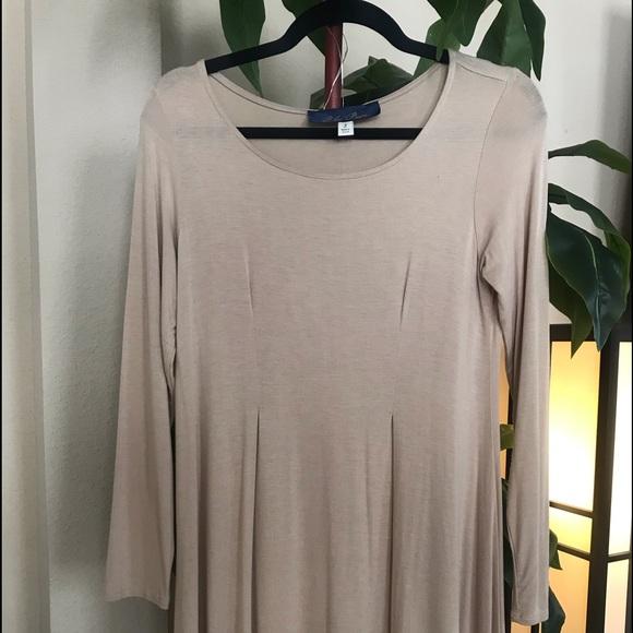 "Francesca's Collections Dresses & Skirts - 3/4 Sleeve ""T-shirt"" Dress"